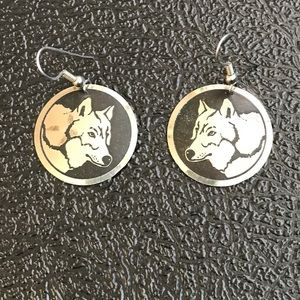 Jewelry - Wolf earrings, black and silver